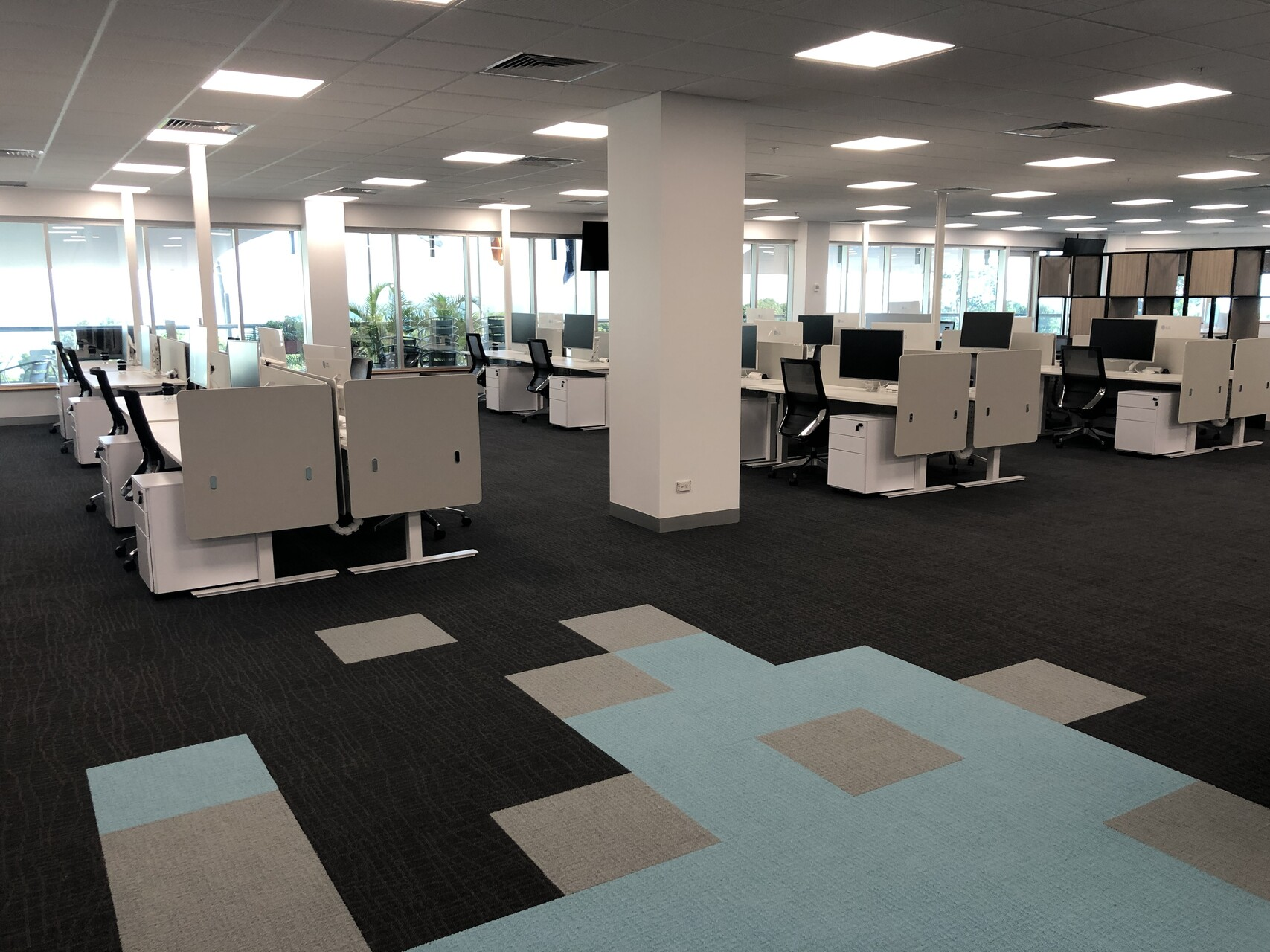 IMG_20190920_162906 desk office furniture darwin nt