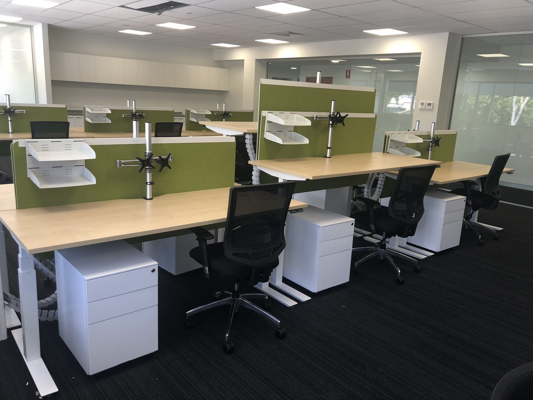 IMG_20181213_145215 desk chair office darwin nt