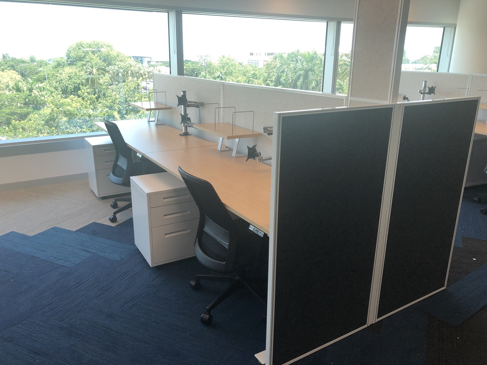 IMG_20190218_133016 divider wall cubicle corner computer desk