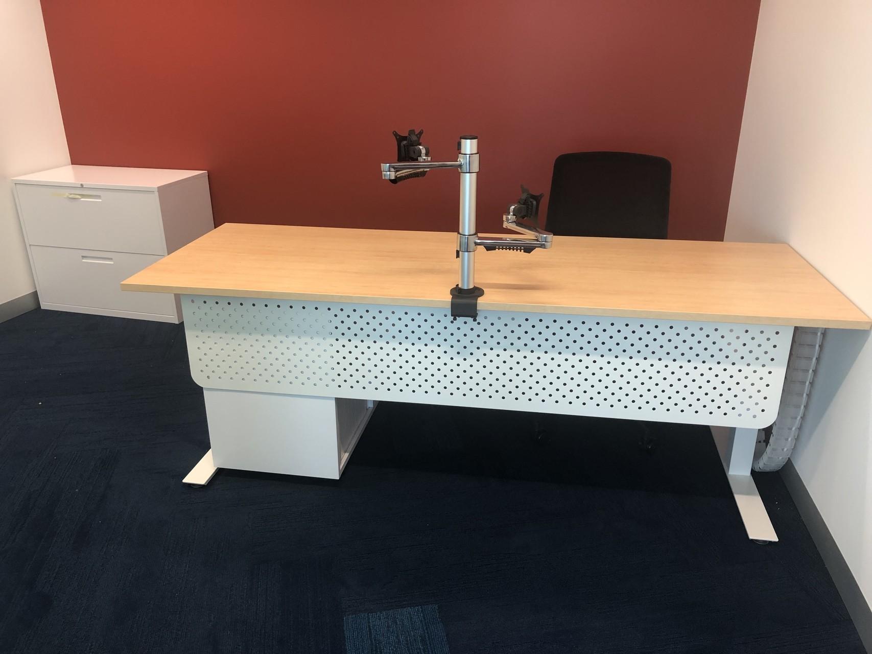 IMG_20190218_132907 bracket computer desk darwin nt