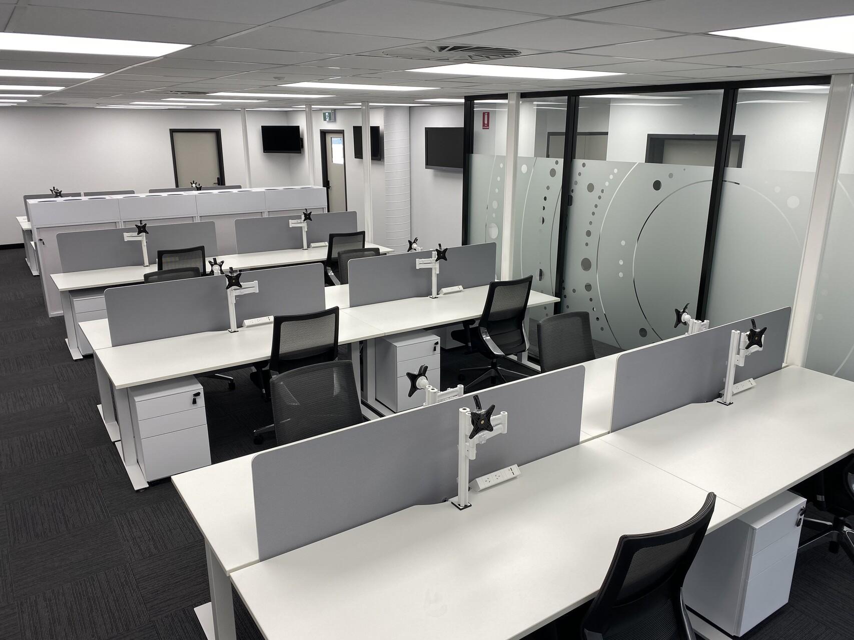 IMG_20191119_123950 office desk chair darwin