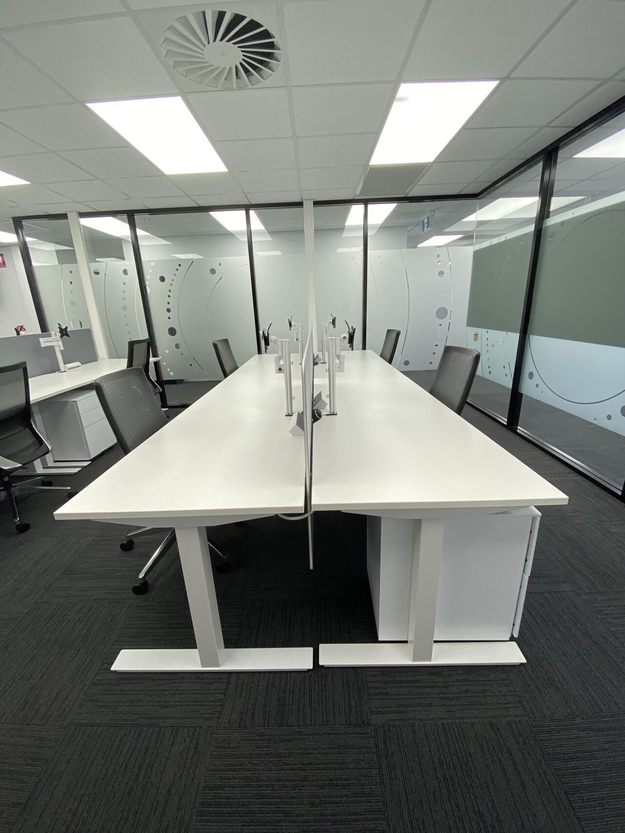 IMG_20191119_123933 long computer desk darwin nt