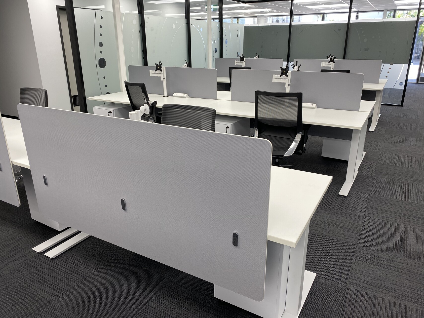 IMG_20191119_122741 office desk side by side and chairs commercial office furniture