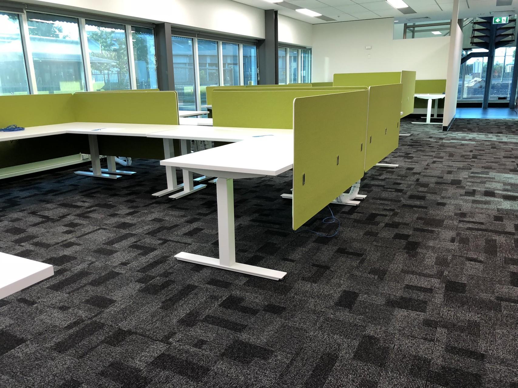 IMG_20180421_073706 corner computer desk with divider australia